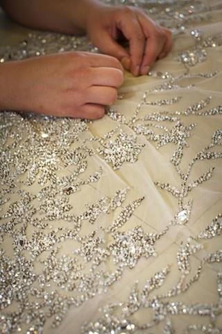 el arte fino del bordado con cristales swarovski - blog rexfabrics